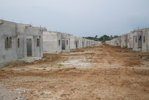 chantiers-de-logements-sociaux-à-Bikélé.jpg